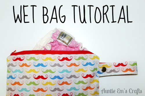 DIY Wet Bag by AuntieEmsCrafts.com. Store soiled diapers in a wet bag that you make yourself with these easy to follow directions! Make one for your car, diaper bag, and by the changing table.