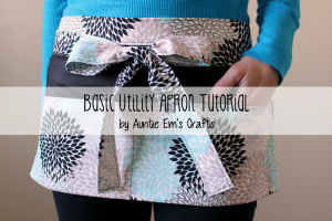 Basic Utility Apron Tutorial by AuntieEmsCrafts.com. This would be great to use at the farmer's market!